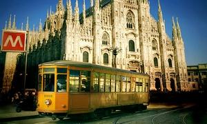 Gita in tram storico a Milano: Milano dal tram: tour guidato serale in tram storico con guida turistica e microfonaggio incluso con Neiade (sconto 47%)