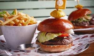 """מסעדת הבשרים עד העצם: עד העצם המיתולוגית בהרצליה פיתוח: ארוחת המבורגרים שווה במיוחד לזוג או רביעייה, החל מ-109 ₪ בלבד! תקף גם בסופ""""ש!"""