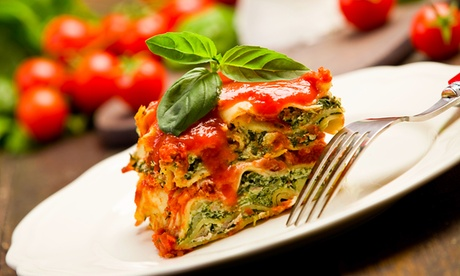 Cena vegetariana para 2 o 4 con entrante, ensalada, principal, postre y bebida desde 19,95 € en Maná Vegeritano Cocina