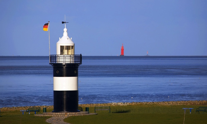 """Apartmenthaus Sandbank 134 - Cuxhaven: Nordsee: 3-8 Tage mit Flasche Glühwein, Flasche Wasser und opt. Eintritt in die Saunalandschaft """"Outfit"""""""