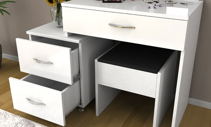 coiffeuse design groupon. Black Bedroom Furniture Sets. Home Design Ideas