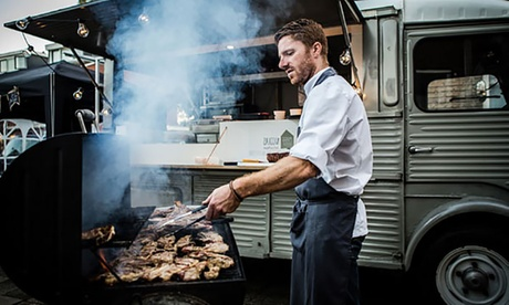 Servicio de barbacoa a domicilio para hasta 40 personas con chef profesional desde 69 € en Urban BBQ Oferta en Groupon
