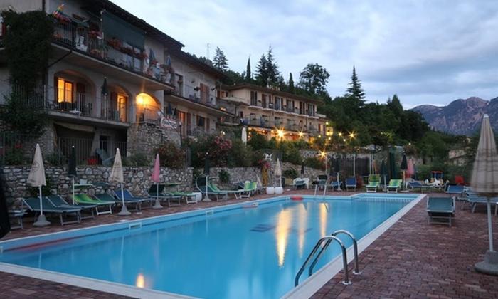Hotel Elisa - Tignale (BS): Lago di Garda, Hotel Elisa - Una o 2 notti con cena di 4 portate da 59 € per due persone