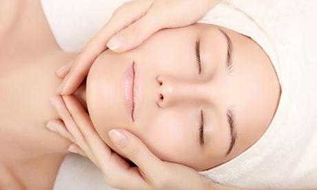 Sesión de limpieza o higiene facial con tratamiento específico a elegir desde 12,95 € en Shantala Ayurveda