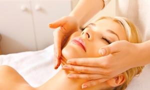 Kosmetik Sabine Schulz: 1x oder 2x Gesichtsbehandlung inkl. Maniküre bei Kosmetik Sabine Schulz (47% sparen*)