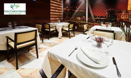 Entrada al casino con un ticket de juego y menú o bebida y tapa para 2 personas desde 10,95 € en Gran Casino Murcia