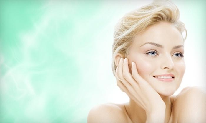 Élan Salon - Van Ness Extension: $27 for a Deep-Pore Cleansing Facial at Élan Salon ($55 value)