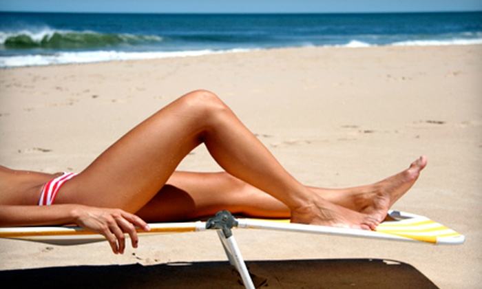 Illusions Skin Studio - Encinitas: $19 for a Custom Airbrush Tan at Illusions Skin Studio in Encinitas ($45 Value)