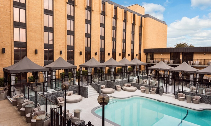 Hotel with Dining Credit near Galleria Dallas Mall