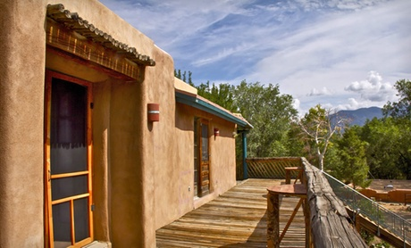 Adobe Lodge with Pool in Taos Mountain Foothills