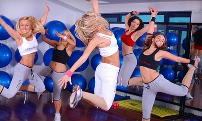 Le Club - Glendale: $25 for Five Yoga or Zumba Classes at Le Club ($60 Value)
