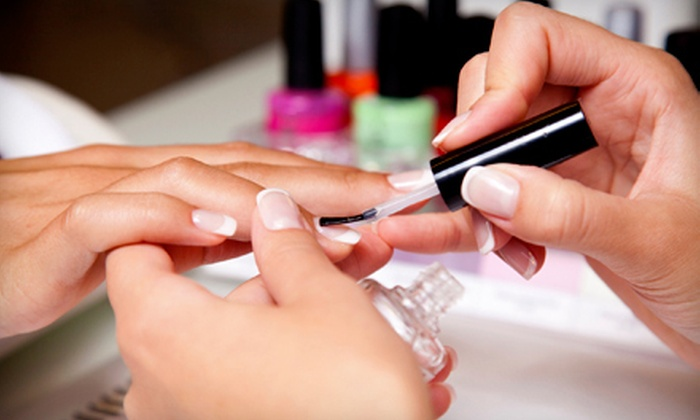 Mingle Nail Salon - Pacific Beach: $19 for an OPI No-Chip Gel Manicure at Mingle Nail Salon ($42 Value)