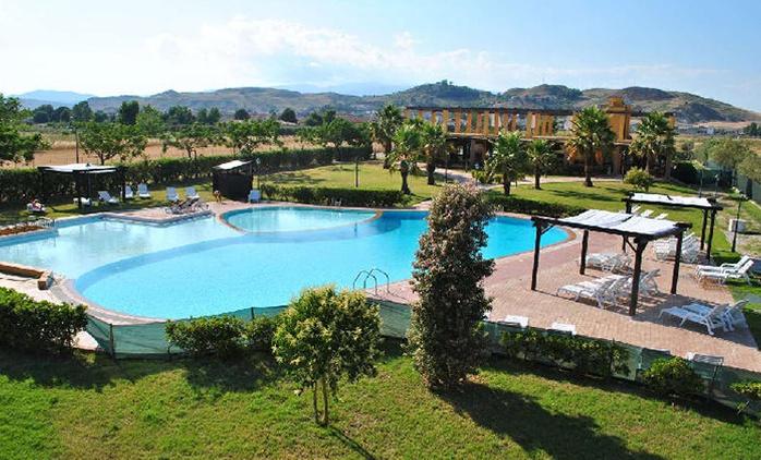 Calabria, Marina del Marchese Beach Resort 4*: 7 notti con Soft All Inclusive per 2 persone