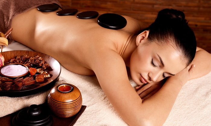 Dee Dee Thai Spa - Belmont Shore: Massage with Stones, Aromatherapy, and Reflexology at Dee Dee Thai Spa (53% Off)