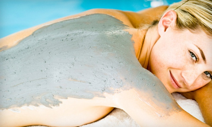 Finishing Touch Spa - Glenwood Grove - North Iris: $65 for Spa Package with Magic Mud Wrap and Stress-Relief Massage at Finishing Touch Spa in Boulder (Up to $130 Value)