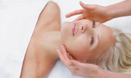 1 o 2 sesiones de peeling con ácido glicólico, radiofrecuencia y masaje cromoterapia desde 19,95 € en Nadia Lavín