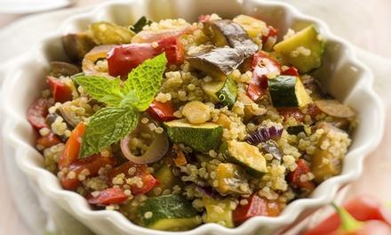 Menu vegano d'asporto con quinoa