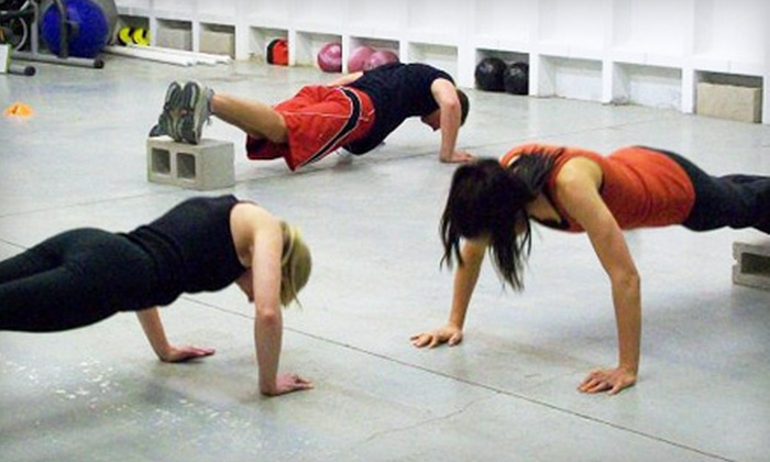 Davis Training Boot Camp - Centennial: $19 for One Month of Unlimited Boot-Camp Classes at Davis Training Boot Camp in Centennial ($180 Value)