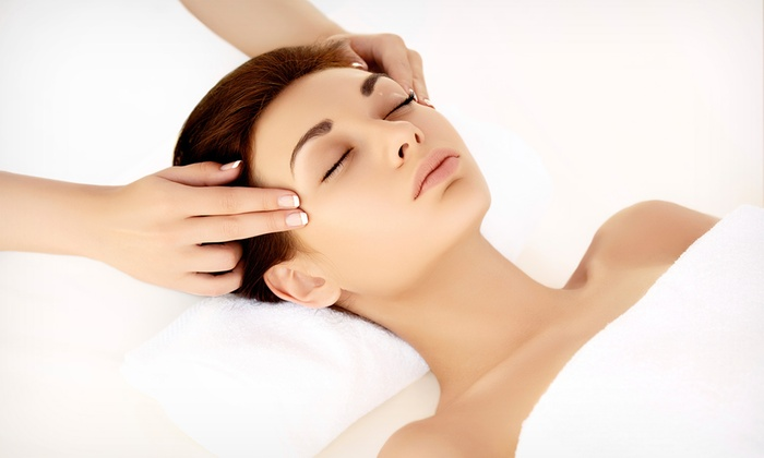Facelift of the Stars - Cottonwood Heights: $160 for Aromatherapy Massage, Sugar Scrub, and Seven Fruit Facial at Facelift of the Stars ($350 Value)
