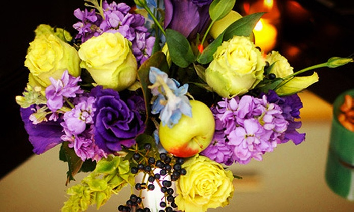 Sarah Tallman Design - SoHo: $95 for a Two-Hour Flower-Arranging Class with Refreshments at Sarah Tallman Design ($200 Value)