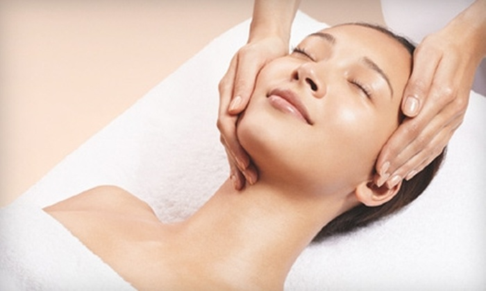 Four Seasons Hotel Houston - Downtown: $59 for Facial, One-Day Fitness-Club Access, and Valet Parking at Four Seasons Hotel Houston ($160 Value)