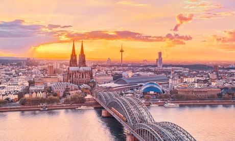 Köln - Standard-Doppelzimmer für Zwei inkl. Frühstück und Stadtplan im AZIMUT Hotel Köln City Cente