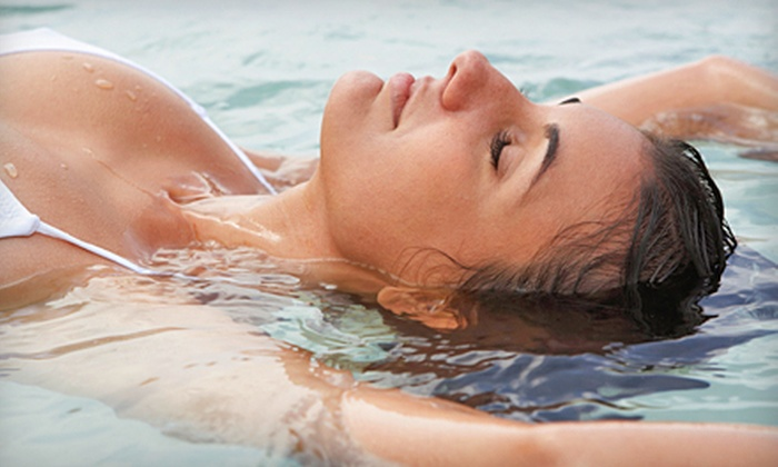Luxury Salon and Spa - Fisher's Landing East: $75 for a Spa Package with Vitamin C Facial and Sea-Salt Bath at Luxury Salon and Spa ($157.50 Value)