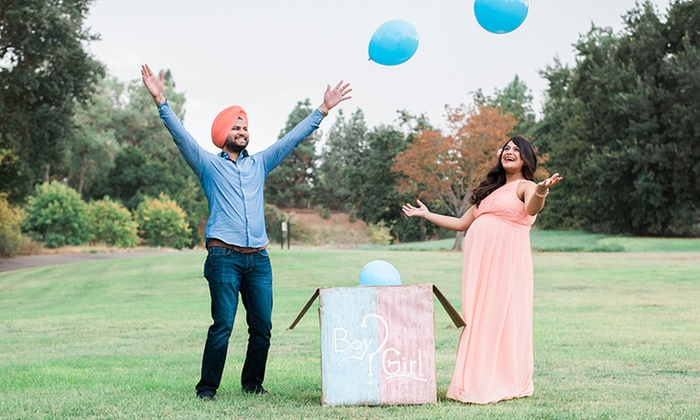 Alex Veatch Photography - Sacramento: 45-Minute Outdoor Photo Shoot with Digital Images from Alex Veatch Photography (20% Off)