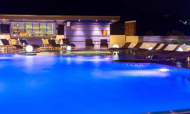 Phuket: Eastin Yama Hotel+Flights 4
