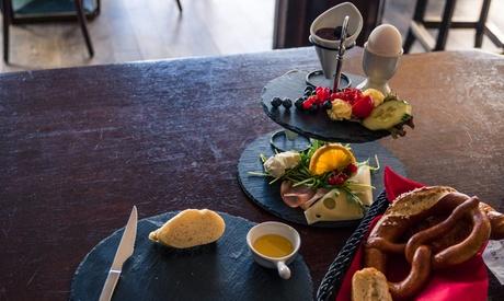 Exklusives Frühstück mit Lachs, Orangensaft und Prosecco für 2 oder 4 Personen bei Hendricks