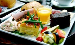 Gasthaus am Boddensee: Sonntagsbrunch für Zwei oder Vier mit Currywurst- und Schokobrunnen im Gasthaus am Boddensee (bis zu 32% sparen*)