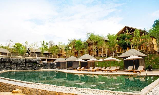 Malacca: 4* Philea Resort + Coach 5