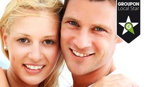 Clínica Patins: Limpieza bucal con radiografía y 1 o 2 sesiones de blanqueamiento dental LED desde 59,95 € en Clínica Patins