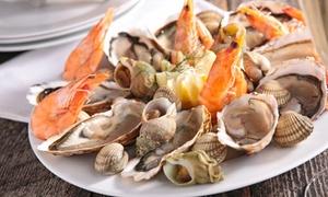SANTORINI: Patera mięsna (69 zł) lub patera ryb i owoców morza (79 zł) dla 2 osób i więcej opcji w Santorini