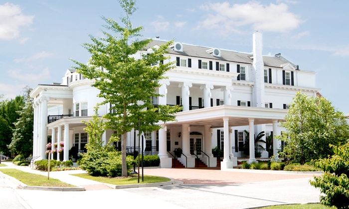 Historic Boone Tavern Hotel & Restaurant - Berea: Stay at Historic Boone Tavern Hotel & Restaurant in Kentucky. Dates into June.