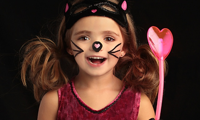 Memory Magic Photography - Stone Oak: $8.99 for a Mini Halloween Photo Shoot for Up to Six at Memory Magic Photography ($60 Value)