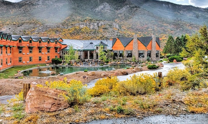 Pet-Friendly Mountain Resort Outside Las Vegas