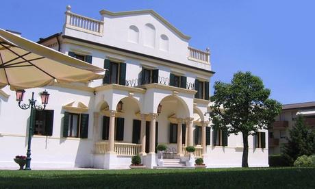 Riviera del Brenta, Villa Iris: Menu di terra da 4 portate con dolce e bottiglia di vino (sconto fino a 61%)