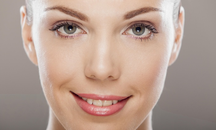 House of Hair - Multiple Locations: $8 for An Eyebrow Wax at House Of Hair (47% Off)