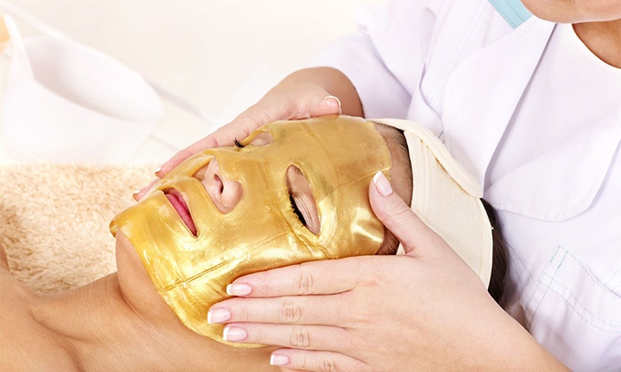 Bella Reina Spa - North Palm Trail: $14 for a 24-Karat-Gold Collagen Facial, Neck Mask, and Shipping from Bella Reina Spa ($25.98 Value)