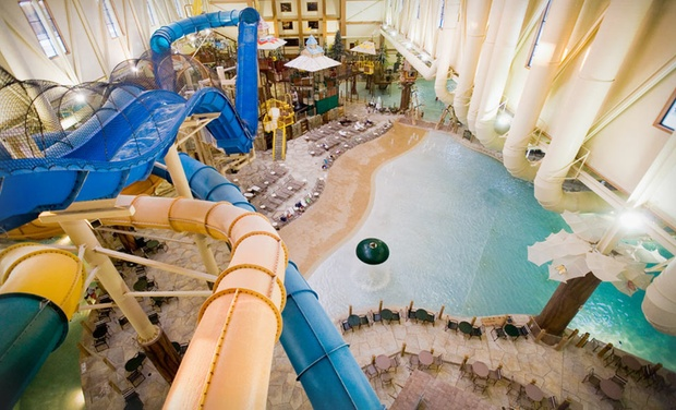 Great Wolf Lodge Cincinnati/Mason - Mason, OH: Stay with Water Park Passes and Resort Credit at Great Wolf Lodge Cincinnati/Mason in Mason, OH. Dates into November.