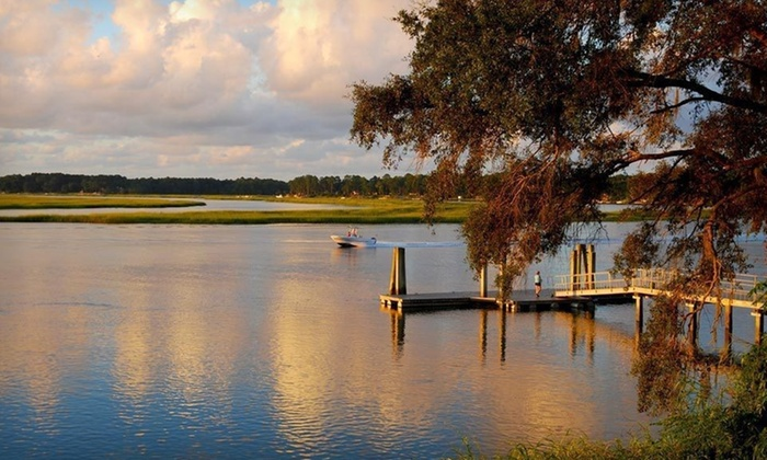 Park Lane Hotel - Hilton Head Island: Two- or Three-Night Stay for Up to Six at Park Lane Hotel in Hilton Head