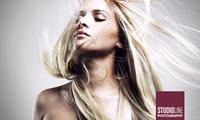 90 Minuten Fotoshooting inkl. Make-up sowie Bild als Ausdruck und Datei bei STUDIOLINE PHOTOGRAPHY (bis zu 75% sparen*)