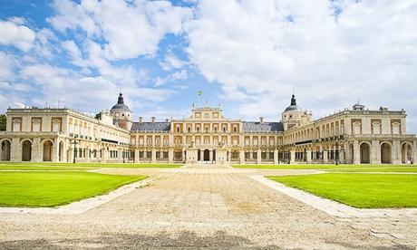 Aranjuez: 1 o 2 noches para 2 con detalle y opción a desayuno y entradas a tren turístico en Hotel Sercotel Don Manuel
