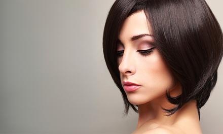 Sesión de peluquería con corte y tratamiento de queratina o con células madre desde 19,95€ en La Pelu de la Esquina