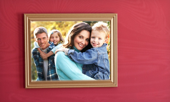 """ScanDiego - University City: Family Photo Package with 12 Greeting Cards or an 8""""x10"""" Canvas Print, or 25 Greeting Cards at ScanDiego (Up to 67% Off)"""