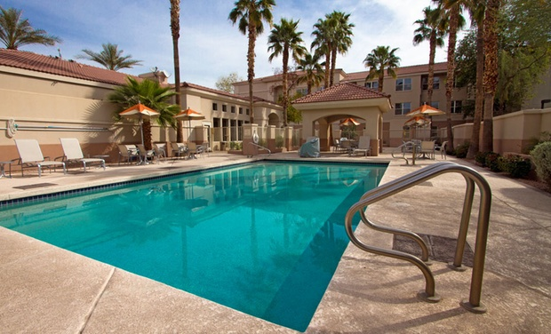 All-Suite Hotel Located in Phoenix - Mesa - Mesa, AZ: Stay with Pizza Package at All-Suite Hotel Located in Phoenix - Mesa, AZ, with Dates into January