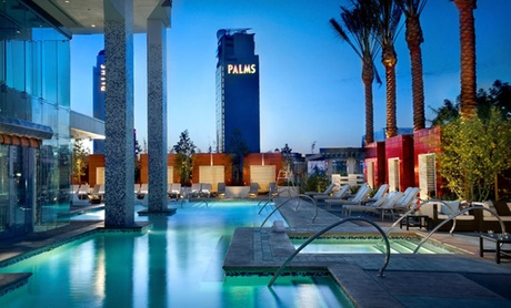 Upscale Hotel Overlooking Vegas Strip