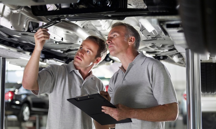 Escondido Auto Pros - Central Escondido: Up to 84% Off Oil Change Package at Escondido Auto Pros