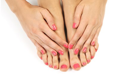 Up to 55% Off No-Chip and Regular Nail Services